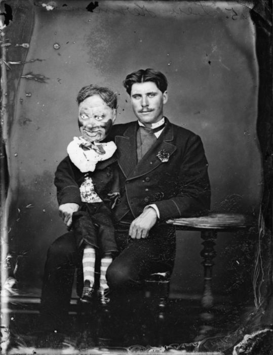 Ventriloquist Dummies Aren't Cute, They're Just Creepy (15 pics)