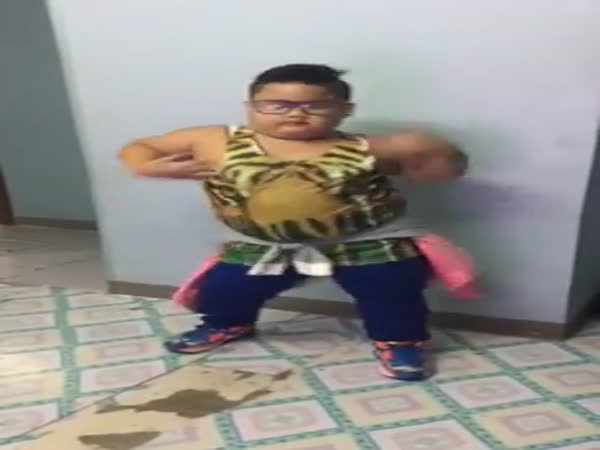 This Philipino Boy Has Got Some Serious Dance Moves