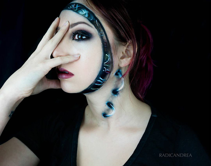 Makeup Artist Transforms Herself Into Terrifying Creatures (30 pics)