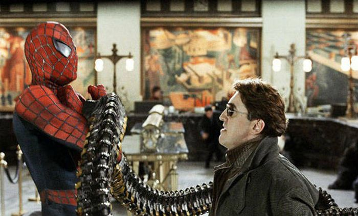 You Probably Missed These Fun Details Hidden In Popular Movies (25 pics)