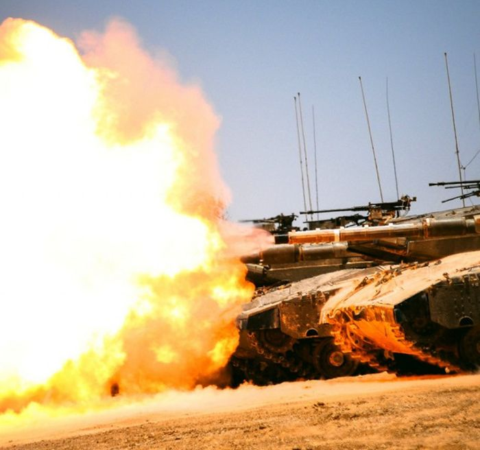 Epic Shots Of Army Tanks In Action (42 pics)