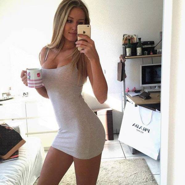 Sexy Women In Tight Dresses Are Simply Too Tempting To Resist (61 pics)