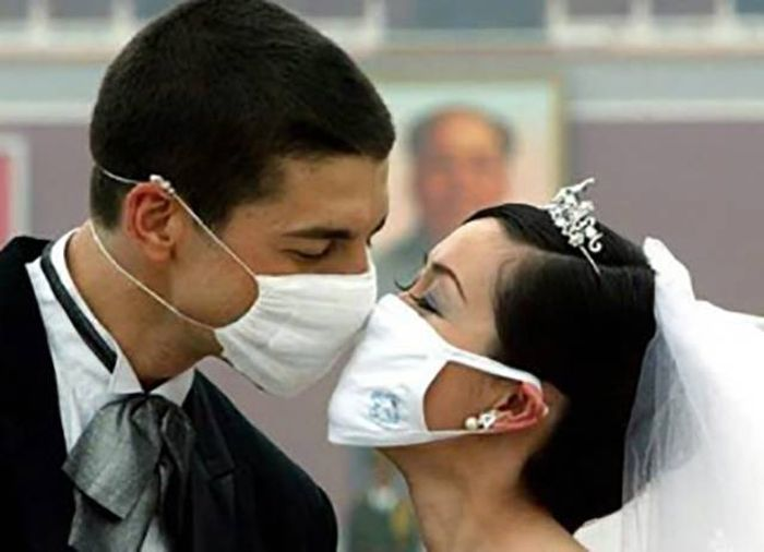 People Who Found New Ways To Fail At Kissing (40 pics)