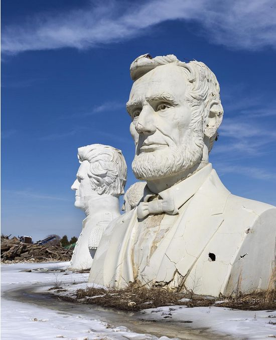 In Virginia There Are 43 Giant Presidential Heads Sitting In A Field (5 pics)