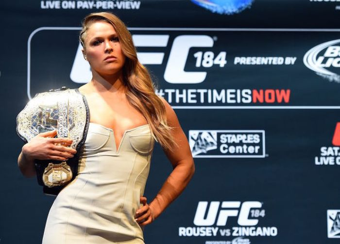 Ronda Rousey's Sexy Sports Illustrated Body Paint Cover Has Arrived (3 pics)