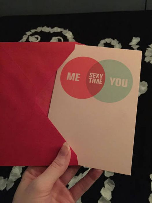 Girlfriend Sets Up Special Surprise Present For Her Boyfriend On Valentine's Day (11 pics)