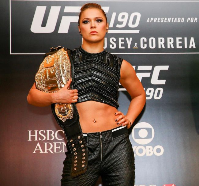 Ronda Rousey's Full Body Paint Photoshoot For Sports Illustrated Revealed (12 pics)