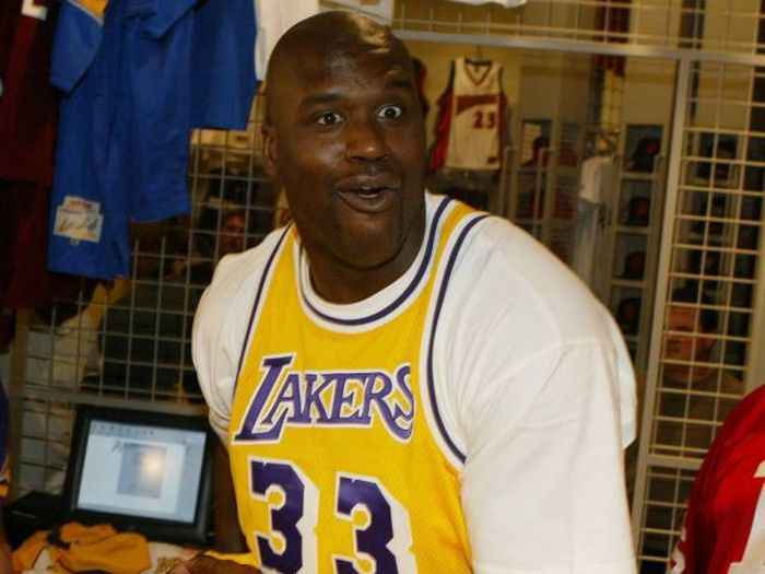 The Top 25 Highest Paid Players In The History Of The NBA (25 pics)