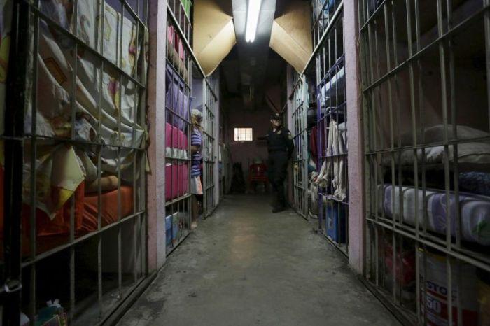 Life Behind Bars At Topo Chico (12 pics)