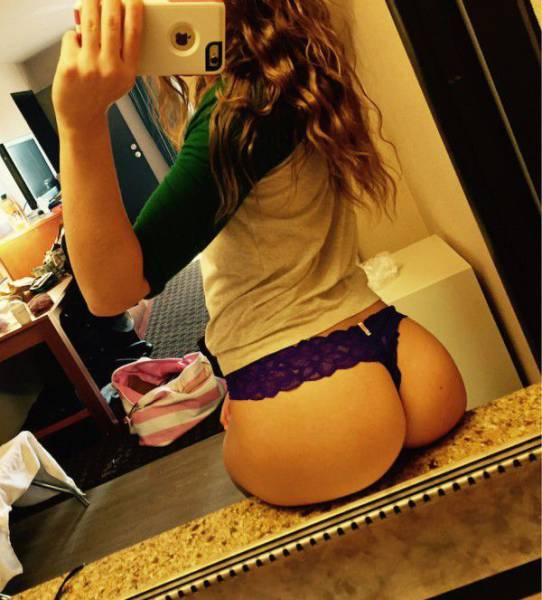 There's Never A Bad Time To Look At Gorgeous Girls With Great Butts (50 pics)