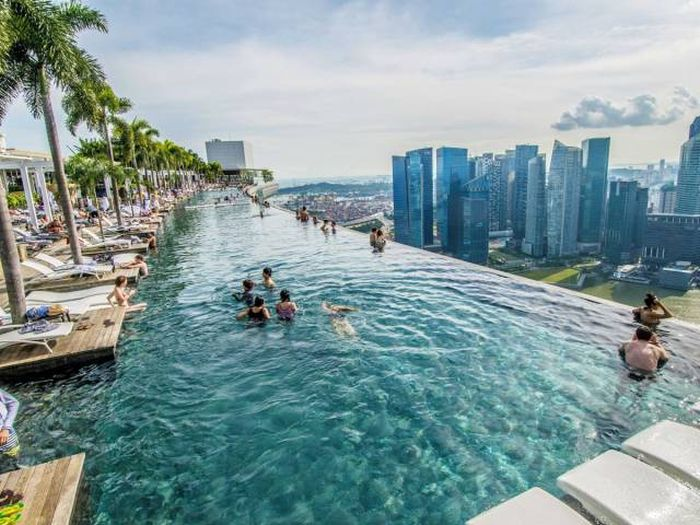 Beautiful Swimming Pools That Will Take Your Breath Away (30 pics)