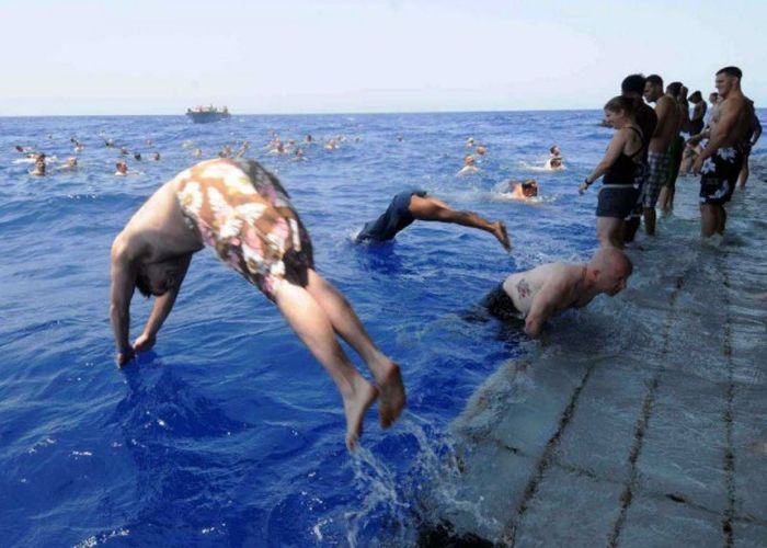 The US Navy Enjoys A Little Downtime While Out At Sea (21 pics)