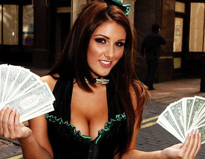 Shameless Girls Who Put Their Virginity Up For Sale On The Internet (9 pics)