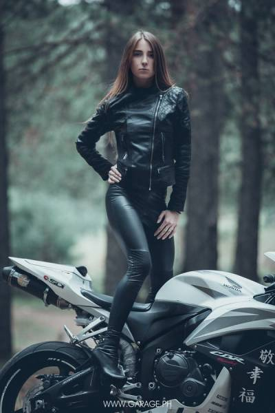 Beautiful Girls And Bad Ass Bikes Make For A Hot Combination (51 pics)