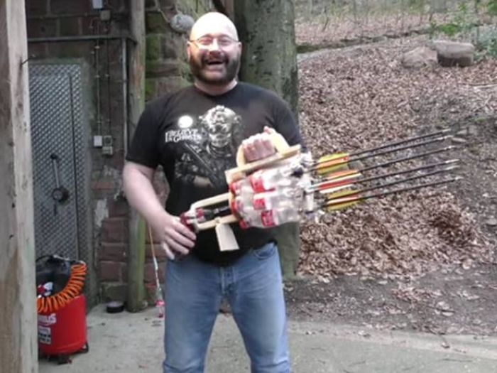Homemade Weapons That Will Help You Survive The Zombie Apocalypse (14 gifs)