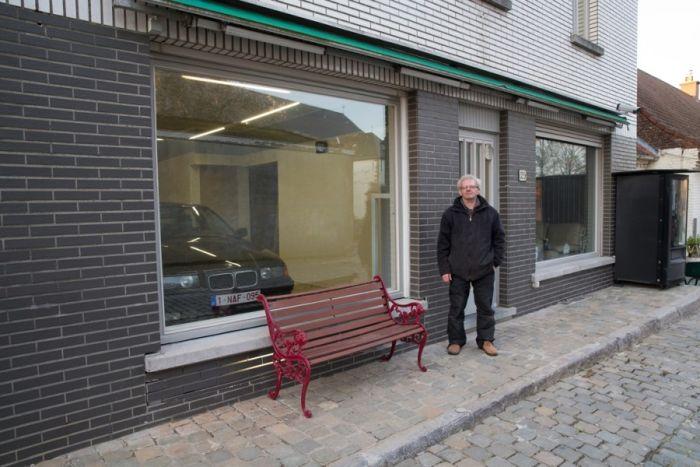 Belgian Man Builds A Secret Garage Door (13 pics)