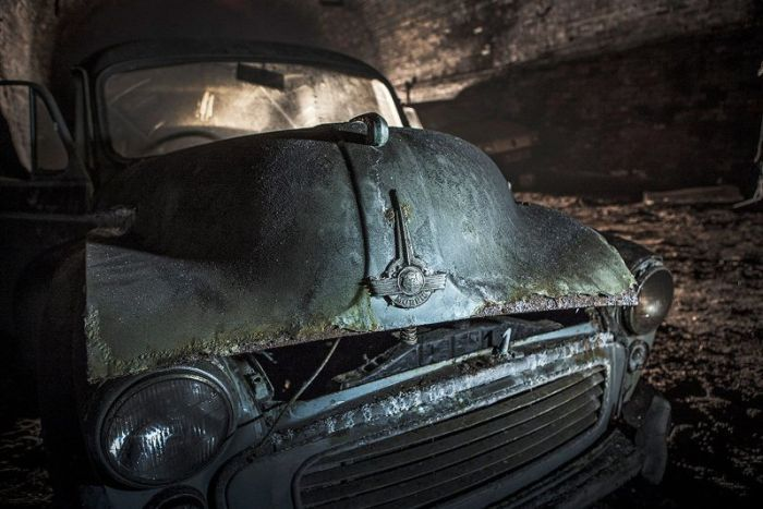 Two Dozen Vintage Cars Have Been Wasting Away In A Liverpool Tunnel (23 pics)