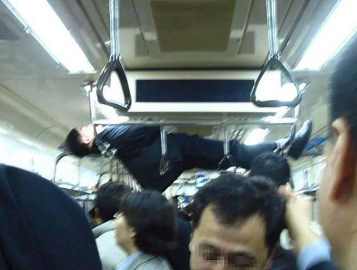 Strange Moments That Can Never Be Explained (34 pics)