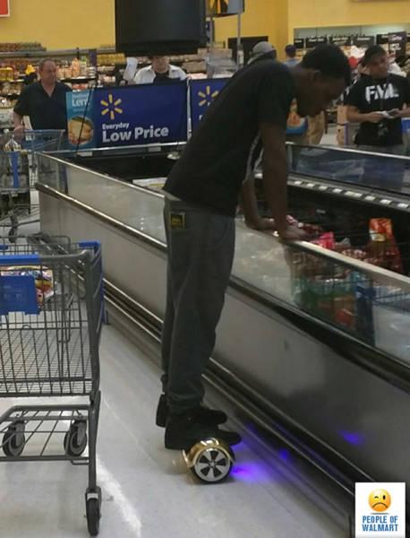 People of Walmart. Part 28 (55 pics)