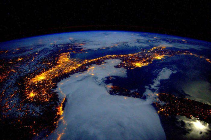 Fantastic Space Photos Courtesy Of Astronaut Scott Kelly (44 pics)