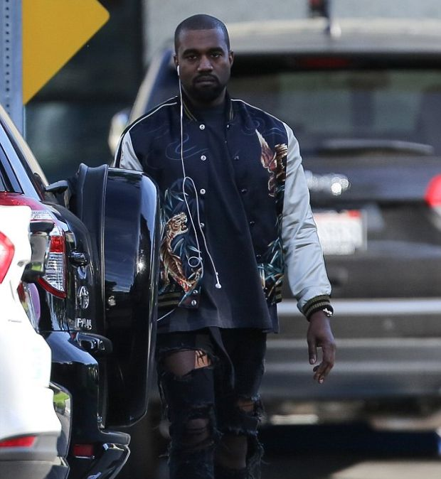 Kanye West Gets Caught Using Pirate Bay After Threatening Legal Action (3 pics)