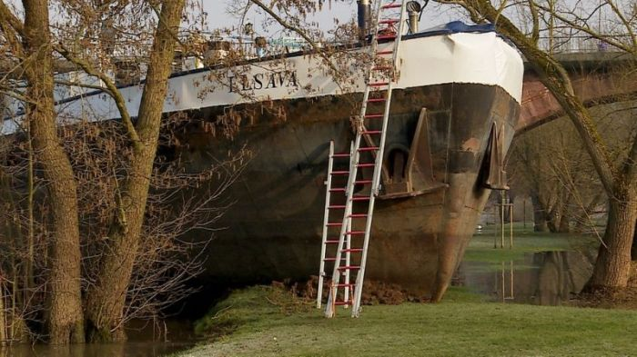 Cargo Ship Runs Aground In Rural Germany (6 pics)