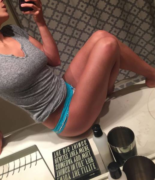 Luscious Ladies With Legs Like These Can Get Just About Anything They Please (71 pics)
