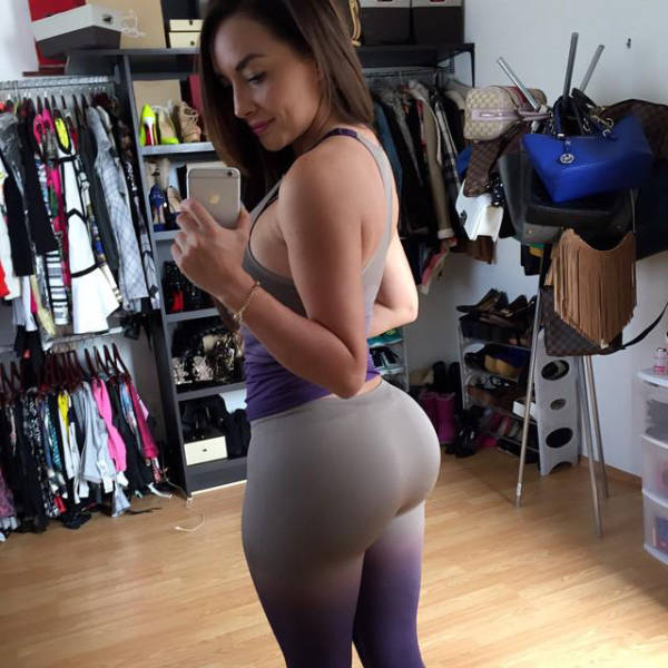 Curvy girls in yoga pants