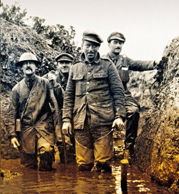 Rare Photos Show Soldiers In The Trenches During The Battle Of Somme (17 pics)