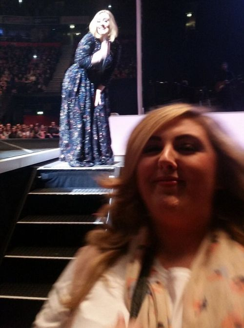 An Adele Fan Tried To Get A Picture Of The Singer But Instead She Got Photobombed (3 pics)