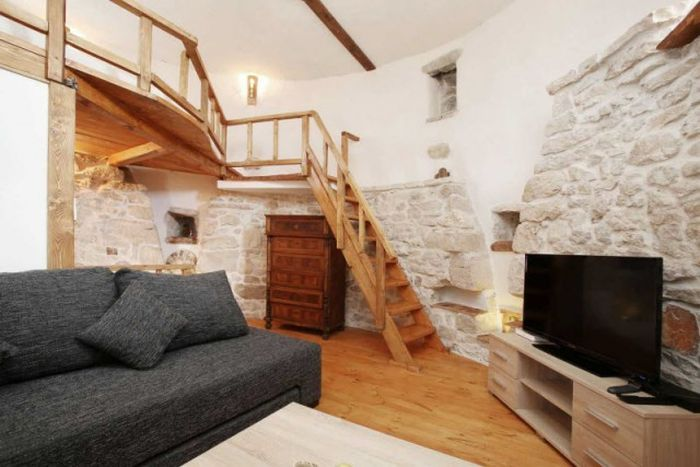 This 250 Year Old Croatian Tower Was Transformed Into A Beautiful Home (25 pics)