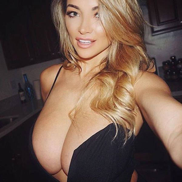 These Sexy Woman Make The World A Better Place (53 pics)