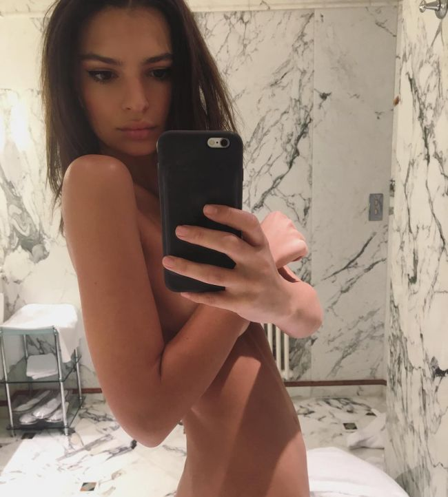Celebrities Show Support For Kim Kardashian By Posting Nude Selfies (6 pics)