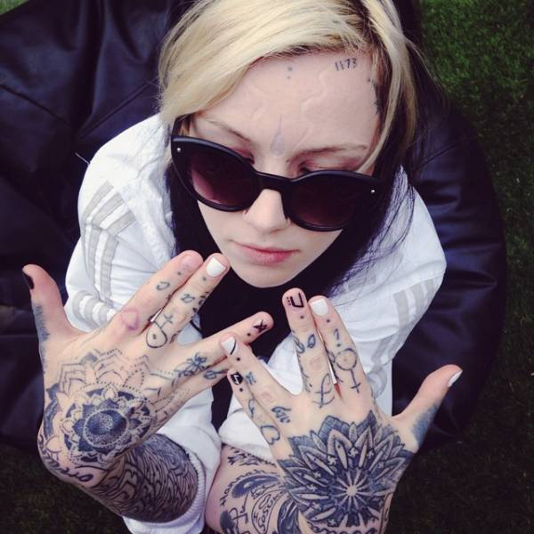 This Woman Is Using Body Modification To Redefine Beauty Standards (23 pics)