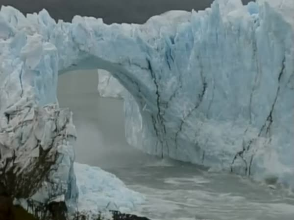 Ice Arch Collapse Caught On Film In Patagonia