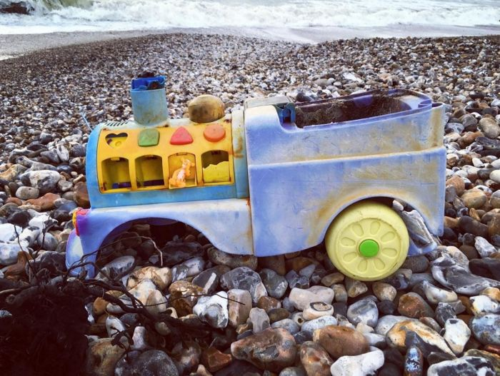 23 Strange And Rare Items People Found On The Beach (23 pics)