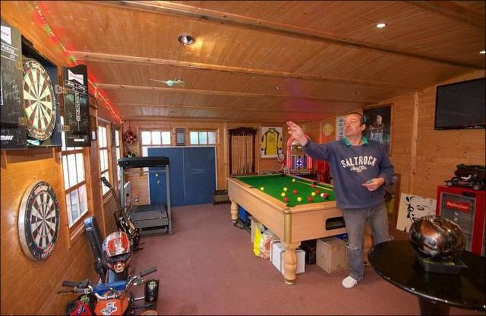 Man Cave Games For Sale : The ultimate man cave is hidden in a random house