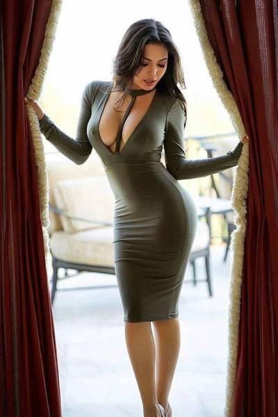 Pornstars in short dress galleries