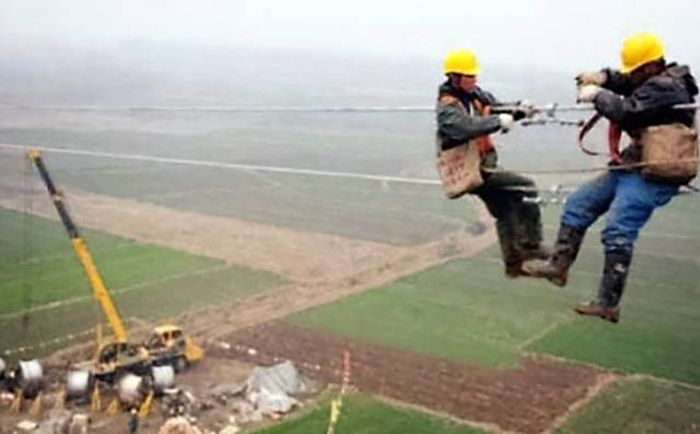 These Are Easily The Worst Jobs On The Entire Planet (37 pics)