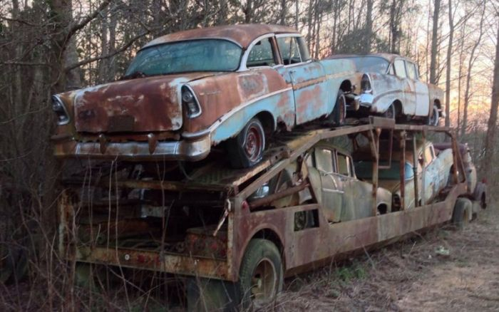 It's Sad To See This Classic Chevy Just Wasting Away (11 pics)