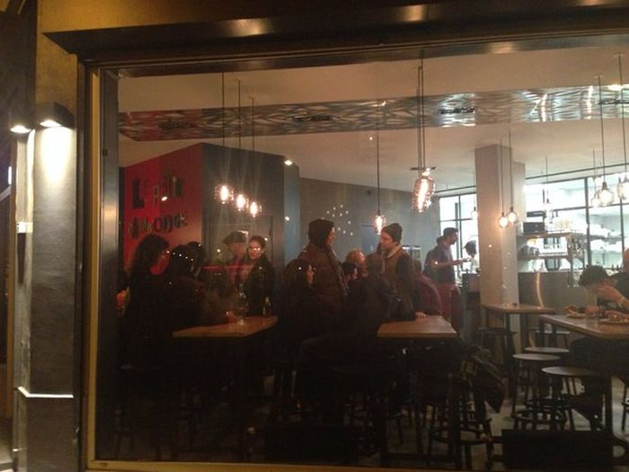 Le Petit Cambodge Opens For The First Time Since The Paris Attacks (8 pics)