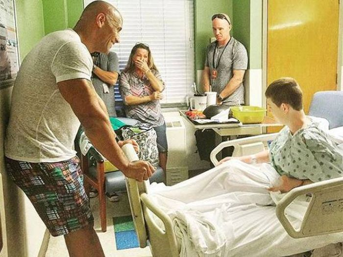 The Rock Once Again Proves He's The People's Champion (5 pics)