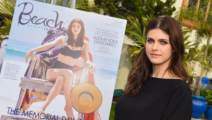 Alexandra Daddario Is One Of Hollywood's Hottest Actresses (10 pics)