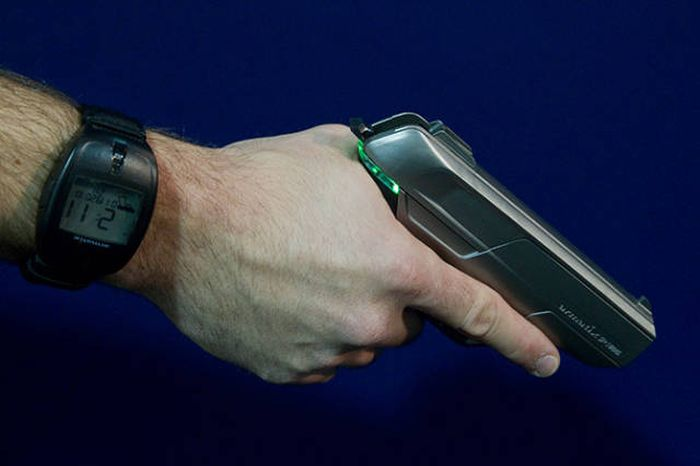 High-Tech Weapons That Prove The Future Is Now (10 pics)