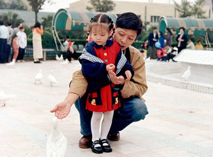 You Won't Be Able To Tell Who Is Who Because This Chinese Family Doesn't Age (8 pics)