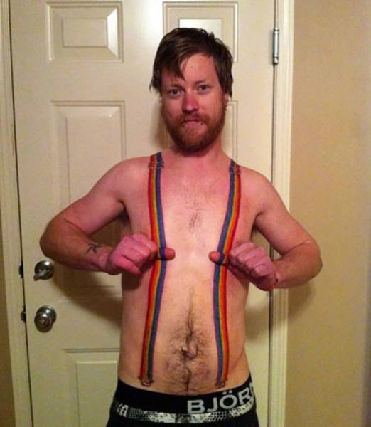Tattoos That Came With A Lifetime Of Regret (33 pics)