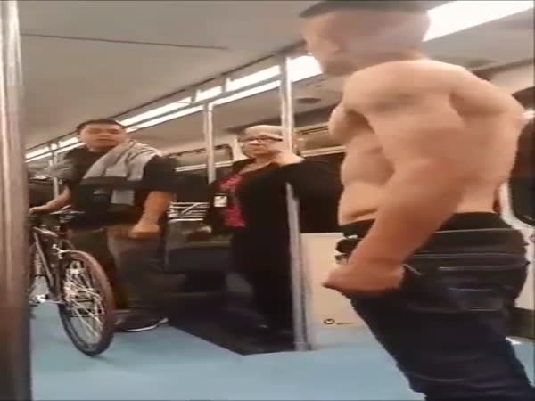 Shirtless Troublemaker Gets Dealt With On The Subway