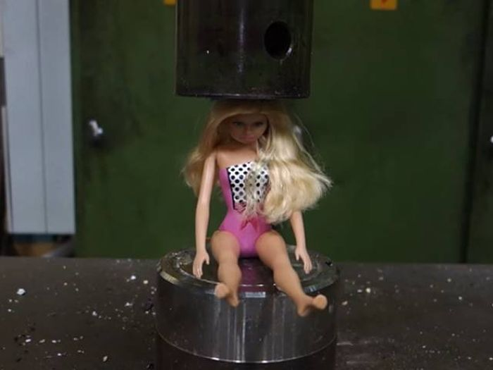 Watching Things Get Crushed By A Hydraulic Press Is Oddly Satisfying (10 gifs)