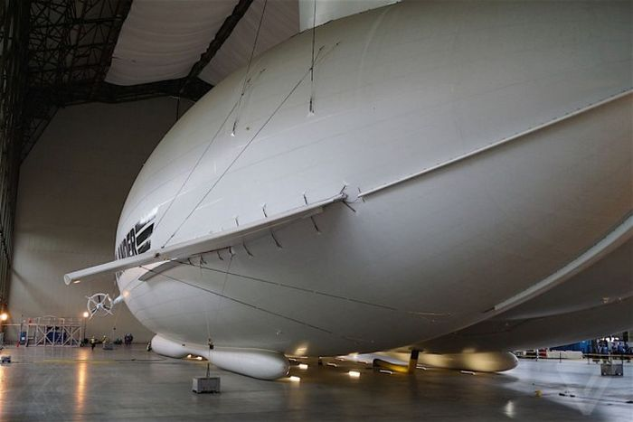 The Airlander 10 Is Getting Ready To Soar Through The Skies (20 pics)