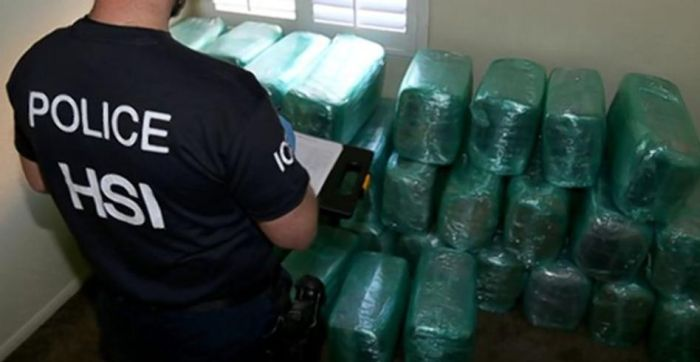 Authorities Discover A Drug Tunnel Stretching From California To Mexico (3 pics)